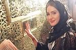 Rumen şarkıcı Otilia Eyüp Sultan'da dua etti