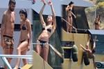 Selçuk Şahin tekneden yuvarlandı!