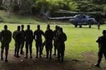 Kolombiya'da askeri helikopter düştü!