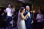 'O düğünde' sahne alan Özgün yaşananları anlattı!