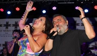 Nükhet Duru ve Soner Olgun'un 'Dost Muhabbeti' Kıbrıs'taydı
