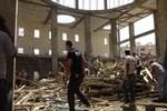 Mardin'de cami inşaatı çöktü!