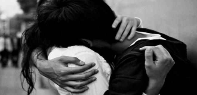 sarılmak ile ilgili görsel sonucu