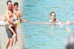 Rafet El Roman çocuklarıyla tatile çıktı!