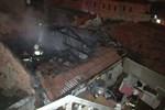 İzmir'de yangın: 1 ölü!