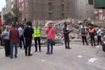 Bağcılar'da bina çöktü!