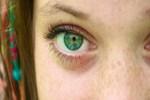 Renkli gözlüler hızlı yaşlanıyor!..
