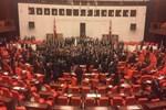 Meclis'te gece yarısı büyük kavga çıktı!