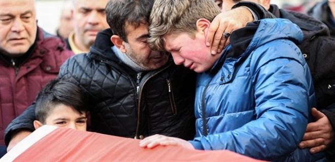 Ortaköy'de hayatını kaybeden Ayhan Arık toprağa verildi