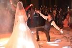 Erkan Petekkaya düğünde şov yaptı!