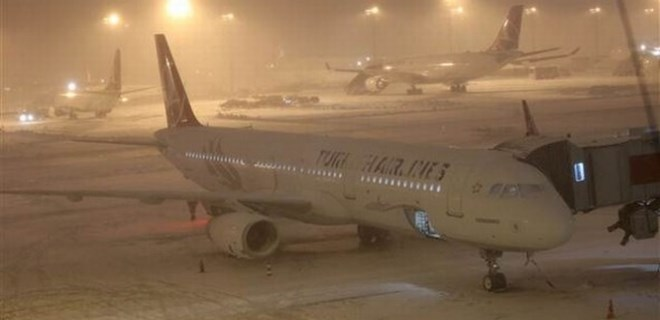 Kar nedeniyle uçuşlar iptal oldu!