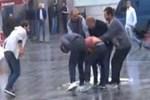 Taksim Meydanı'nda olay kavga!