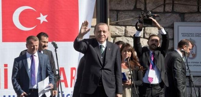 Erdoğan Sırbistan'da konuştu, FETÖ yuhalandı!
