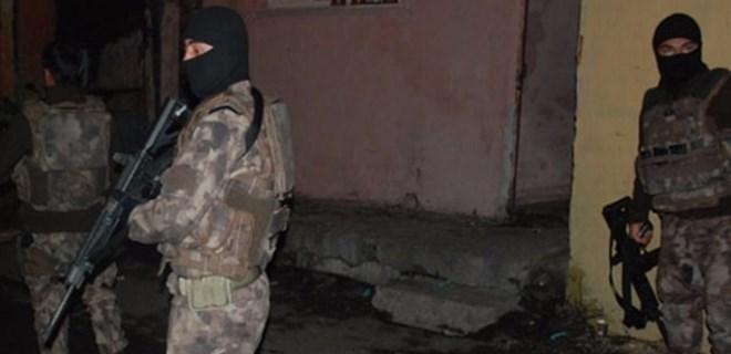 İstanbul'da 11 adrese şafak operasyonu düzenlendi