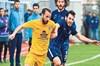 Yönetim takımın as oyuncuları Zafer Çevik, Mehmet İncebacak ile Murat Akyüz'ü kadro dışı bıraktı.