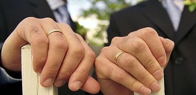 Almanya'da eşcinsel evlilik resmileşti