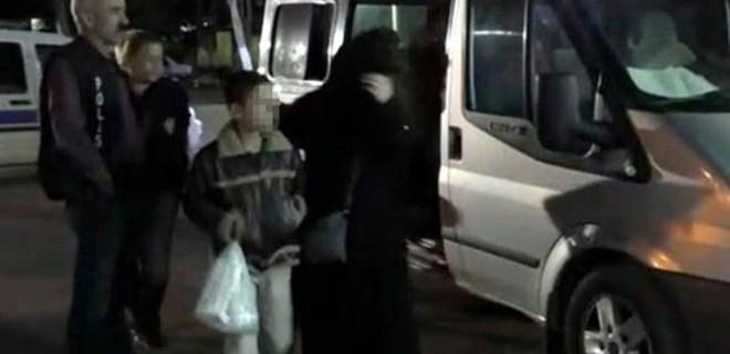 Çocuklarını 'kiraya veren' aile yakalandı!
