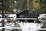 Finlandiya'da tren askeri araca çarptı!