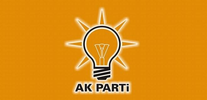 AK Parti'de 4 ilde gece yarısı değişiklik