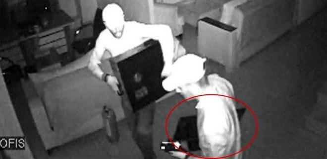 Adana'da kasa yerine monitörü çalan hırsızlar yakalandı