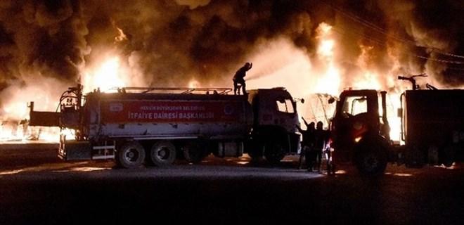 Mersin Tarsus Sebze Hali'nde büyük yangın!