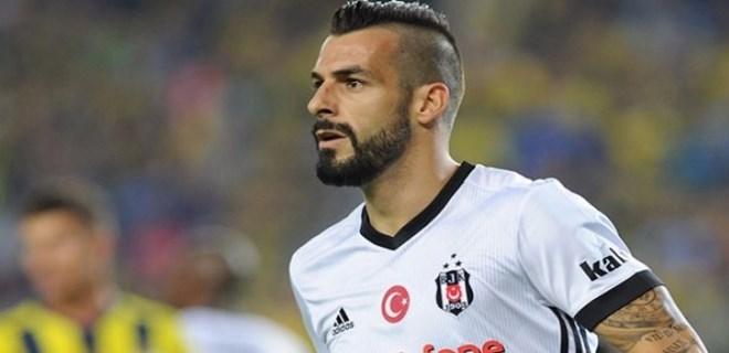 Beşiktaş taraftarları: 'Yürü be Negredo'