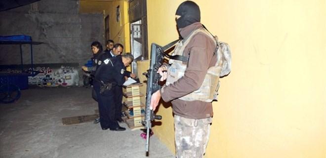 Türk polisi DEAŞ'ı böyle çözüyor!