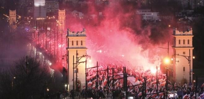 Polonya Berlin'den tazminat istiyor!