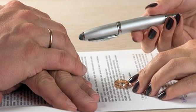Eşinden ilgi görmeyen kadın boşanıyor