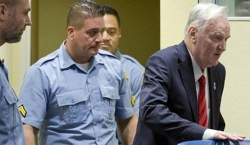 Lahey'deki mahkemeden 'Srebrenitsa soykırımdır' kararı!