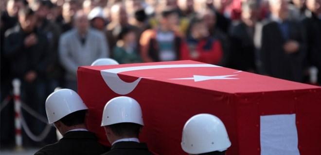 Hakkari'de askeri araç kaza yaptı: Yüzbaşı şehit oldu