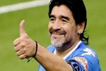 Maradona'dan sürpriz imza!