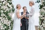 Kadın basketbolcu, kız arkadaşıyla evlendi!