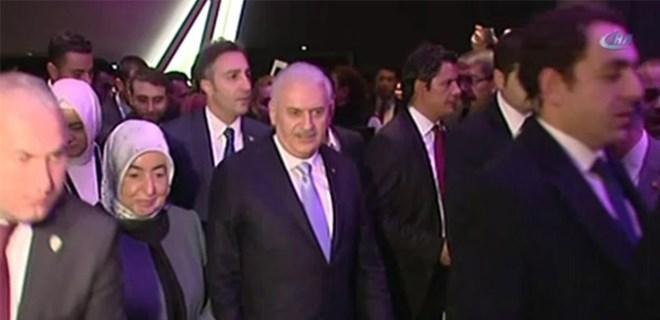 Başbakan Yıldırım 'Ayla'yı Kore gazileriyle birlikte izledi