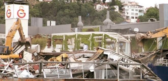 Boğaz'daki kaçak yapıları yıkacak müteahhit bulunamıyor!