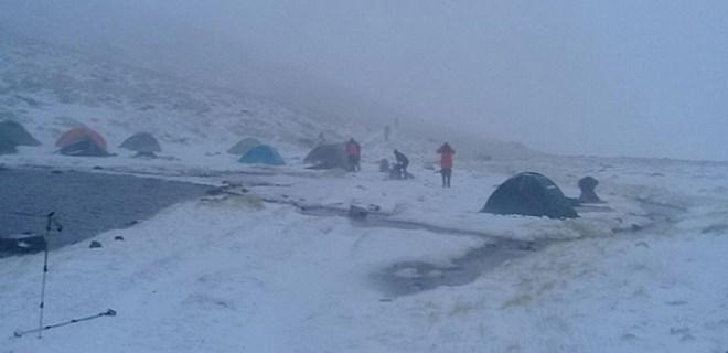 Uludağ'da 5 dağcı kayboldu!