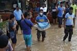 Filipinler'de ölü sayısı 180'e yükseldi!