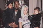 Kim Kardashian'dan 2018 pozu