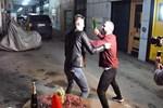 Berkay sokak ortasında adam dövdü!