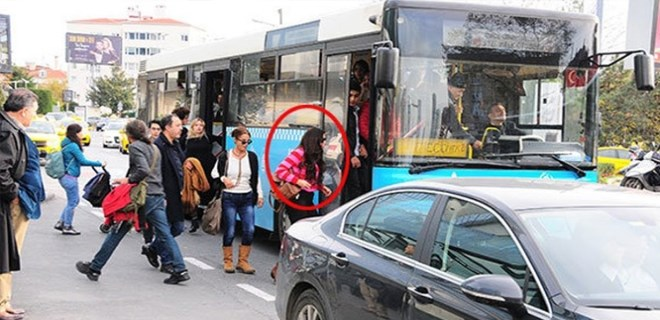 Asena Tuğal halk otobüsünde görüntülendi