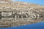 Baraj suları çekilince halk oraya akın etti