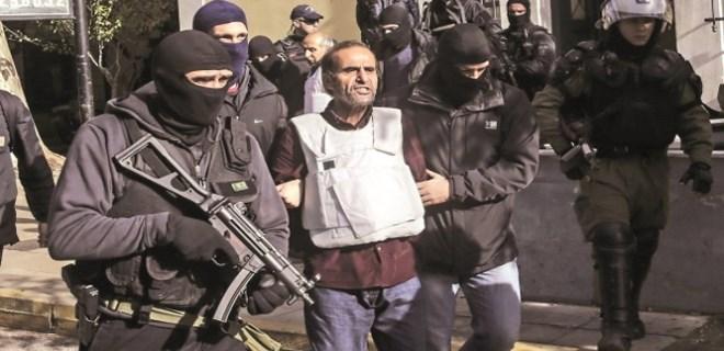 Yunanistan 9 teröristi tutukladı!