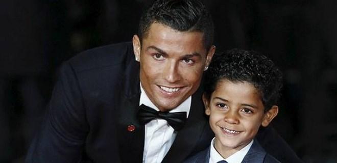 Ronaldo'nun oğlundan Messi paylaşımı!