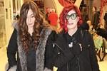 Emel Müftüoğlu kızıyla alışverişe çıktı