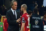 Wesley Sneijder'e uyarı!