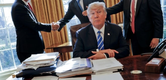 Trump, 'Müslümanlara yasak'ta ısrarlı!