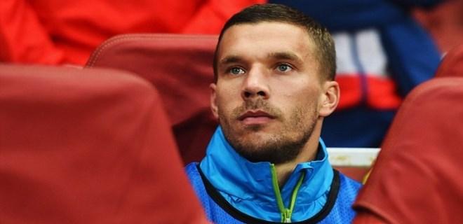 Podolski, Riekerink'e veda etti!