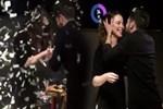 Rüzgar Erkoçlar kız arkadaşına evlilik teklif etti!
