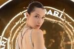 Bella Hadid mücevherden elbise giydi