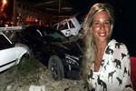 4 otomobile çarpan sürücü ölümden döndü!